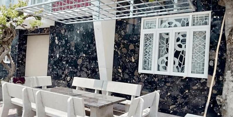 Pebble Black Granite Suitable For Modern Architecture